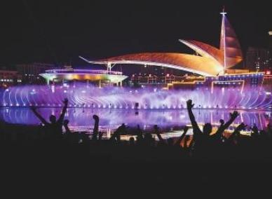 漳州南靖投资1100万建彩色音乐喷泉 动感水景美轮美奂