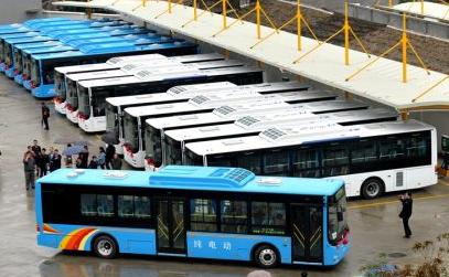 """榕加快新能源公交投放 2020年底全市公交""""不喝油"""""""