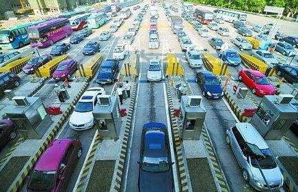 厦门各区春节交通易堵点出炉 交警提请市民错峰出行