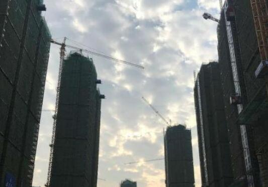 漳州高新区龙江新苑安置房封顶 预计明年11月完工