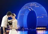范志毅9号在南太湖畔月亮酒店举行骑士婚礼