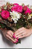 看完就想办婚礼 甲油与新娘手捧花搭配法则