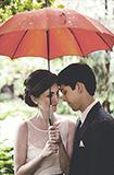 雨天婚礼更诗意  找个为你撑伞的人嫁了吧