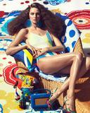 炎热夏日看超模如何演绎海边度假风