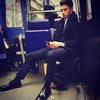 不过是坐地铁去上个班 有必要帅成这样吗
