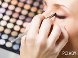 如何让单眼皮变大变双 分享贴双眼皮贴的技巧