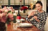 我问刘嘉玲怎么才能hold住颜值身材 她说来杯红酒