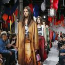 Calvin Klein母公司计划收购第三个品牌