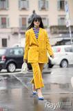 明艳又自然的黄色才是初春的流行色