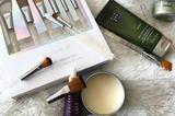 除了包包要保养外 化妆品也需要你精心呵护