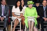 英国王室女性坐姿暴露出的「咖位之争」