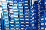 江苏查获近万双名牌运动鞋 你的阿迪耐克可能是假的