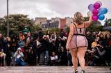 胖女孩也可以很自信 她们在巴黎举办了一场特别的时装秀