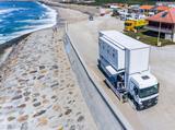 卡车变身双层房车酒店 每天载着你游荡葡萄牙和摩洛哥海岸