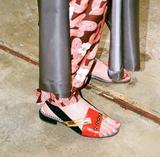 翻遍时尚博主的INS找到了今夏最火的凉鞋