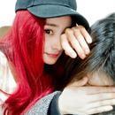 看了杨幂我又想染一头红发了!谁敢再说染红发显老