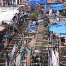在贫民窟里住上一晚 体验孟买千万贫民的生活