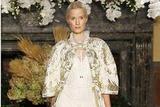 文艺复古新娘必看!20款维多利亚古典风婚纱