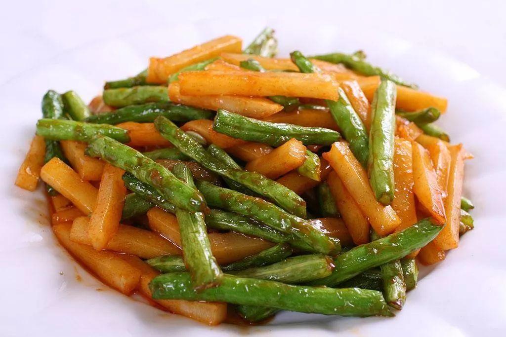 素食养生:四季豆烧土豆