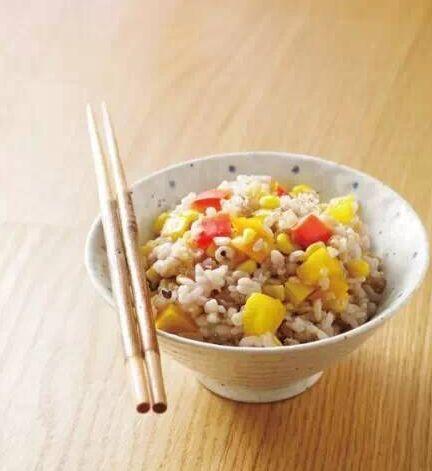 素食养生:甜椒玉米菜饭