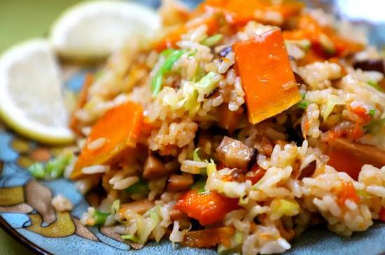 素食养生:南瓜香菇饭
