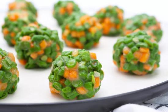 素食养生:豆角胡萝卜素球