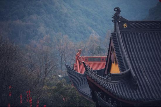 今日的汉传课诵,出自《禅门日诵》。(摄影:惜缘小和尚)