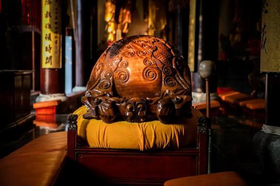 """学佛人常常能听到""""业障""""和""""魔障""""这两个词语。"""