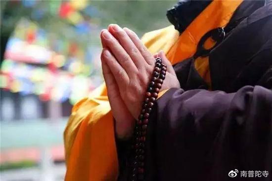 学佛之人不应盲目地把希望寄托在求签、预知未来之说上,执著于外道。