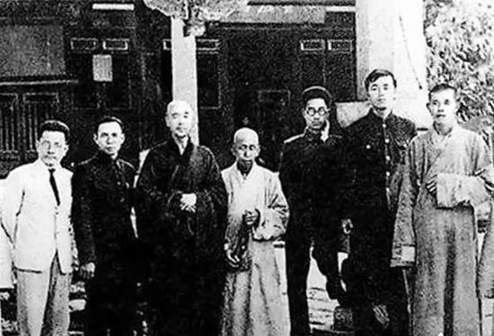 农历九月二十,是南山律宗第十一代祖师弘一大师(1880-1942)诞辰纪念日。
