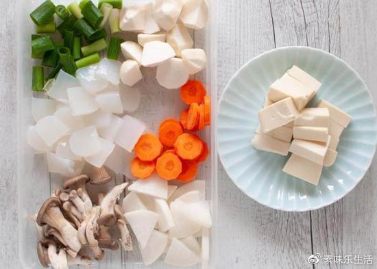 食材方面,也可以根据个人喜好和家里存货来调整。
