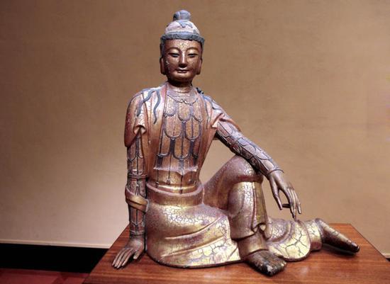 菩萨五十二阶位中即以十信位为首。(图:元代粘土镀金自在观音像)