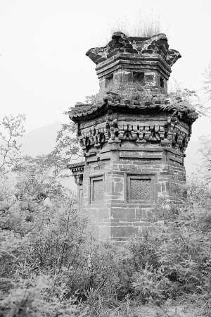 这座编号为一号的塔,是一座很漂亮、很独特的塔。