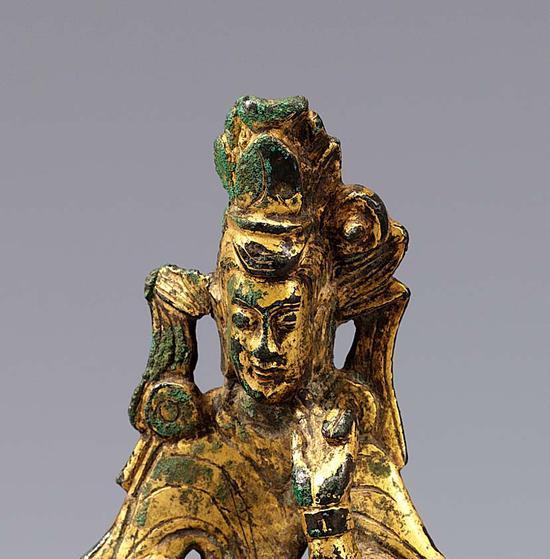 三世纪  中国三国时期金铜造像  像高9.1 cm    韩国国立中央博物馆收藏  隆日编译
