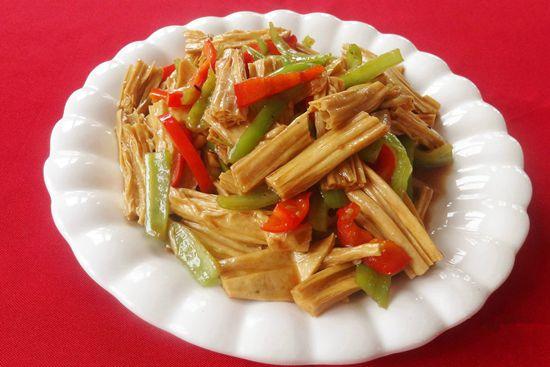 青椒烧腐竹