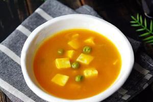 素食养生:豌豆南瓜豆腐羹