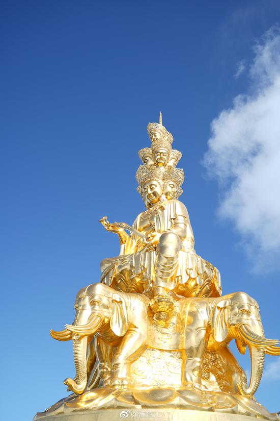 普贤菩萨是华严三圣之一,是有名的大愿王。(摄影:僧范儿)