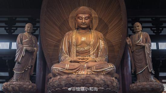 皈依是为了学习佛法,以佛为学习的榜样。(摄影:@惜缘小和尚)