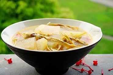 素食养生:冬瓜笋干汤