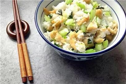 素食养生:翡翠菜饭