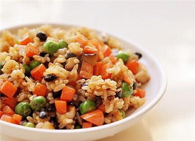 素食养生:豆豉蔬菜炒饭