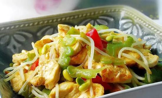 素食养生:苦瓜豆腐(图片来源:灵隐寺)
