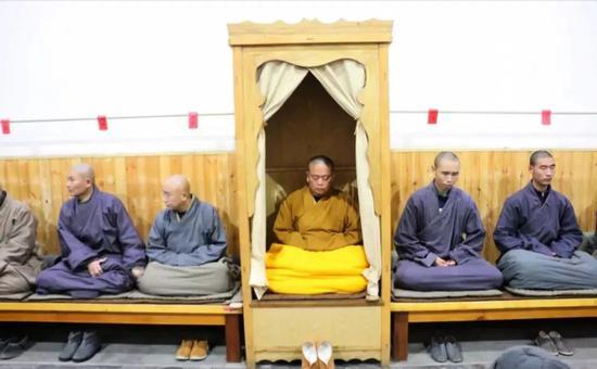 其实,少林功夫最早就是指坐禅的功夫,修行的功夫。