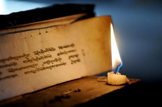 诵经一定要开智慧,要不然的话,只诵经,没有办法转烦恼成菩提。