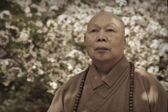 中国佛教协会名誉会长,北京法源寺方丈一诚长老于云居山安然示寂。