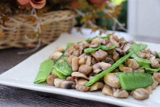 蘑菇炒菜豌豆