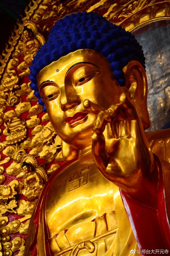 腊月初八,是佛陀经过六年苦行,在菩提树下觉悟成道的纪念日。