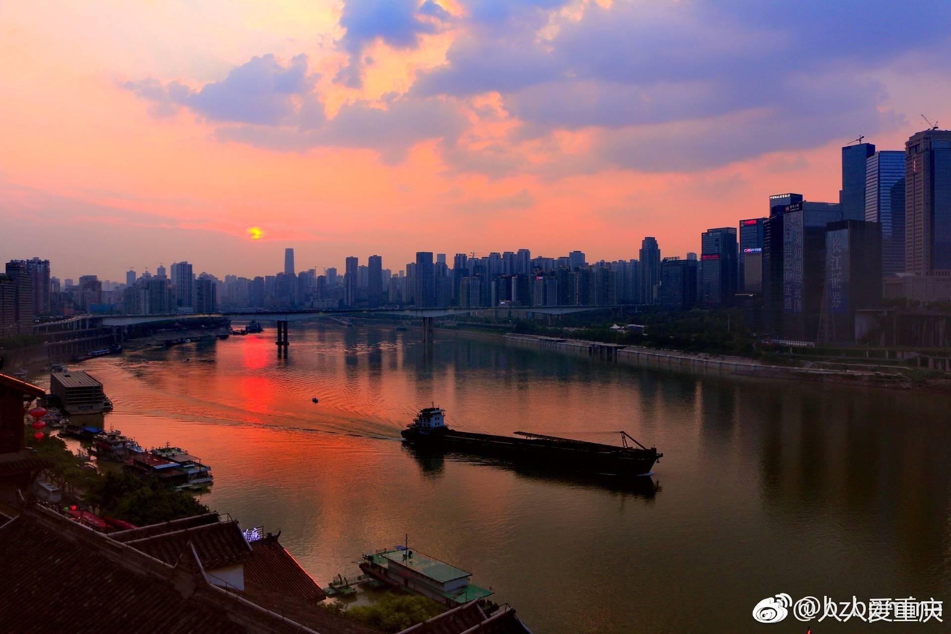 重庆傍晚是美丽的