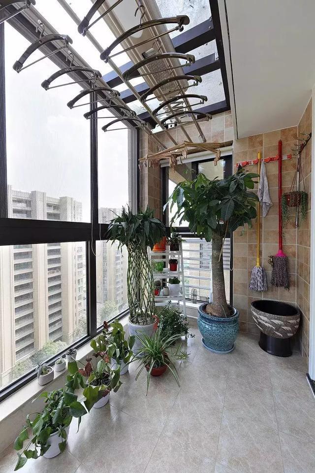 封闭式阳台怎样设计才能好看又实用?看看别人家的吧图片