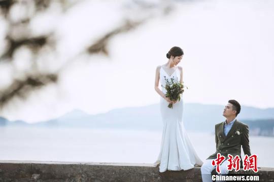 浙江一警嫂婚礼感言让人心疼:感谢抽空和我结婚(图)